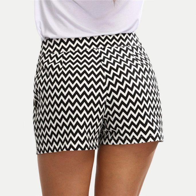 Elegant Pattern Shorts